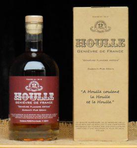 Le Houlle XIV est un vieux genièvre qui se déguste tel un bon whisky.